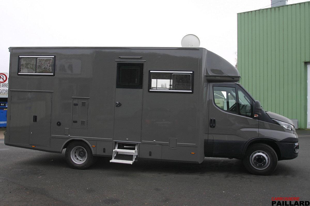 Camping-car poids-lourd IVECO Daily avec extension latérale